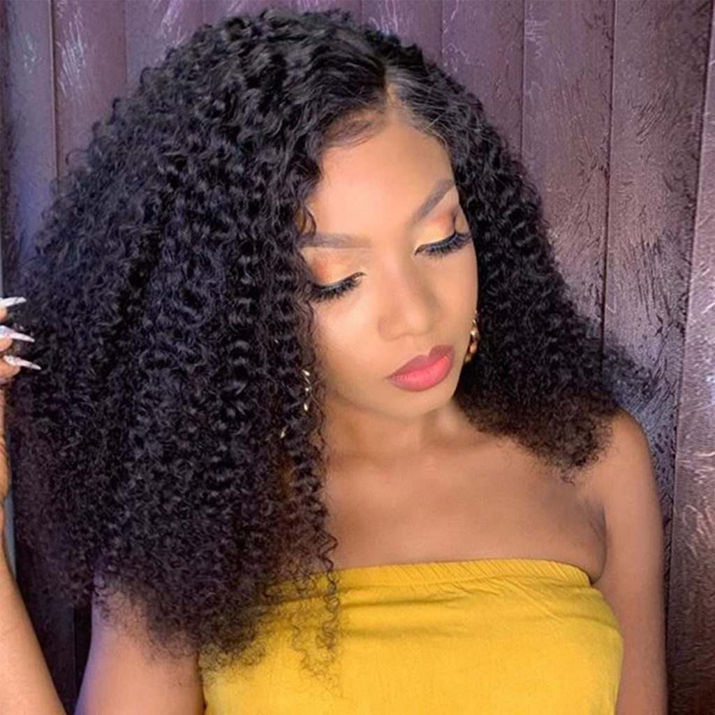 Kinky-curly-short-wig-side-part